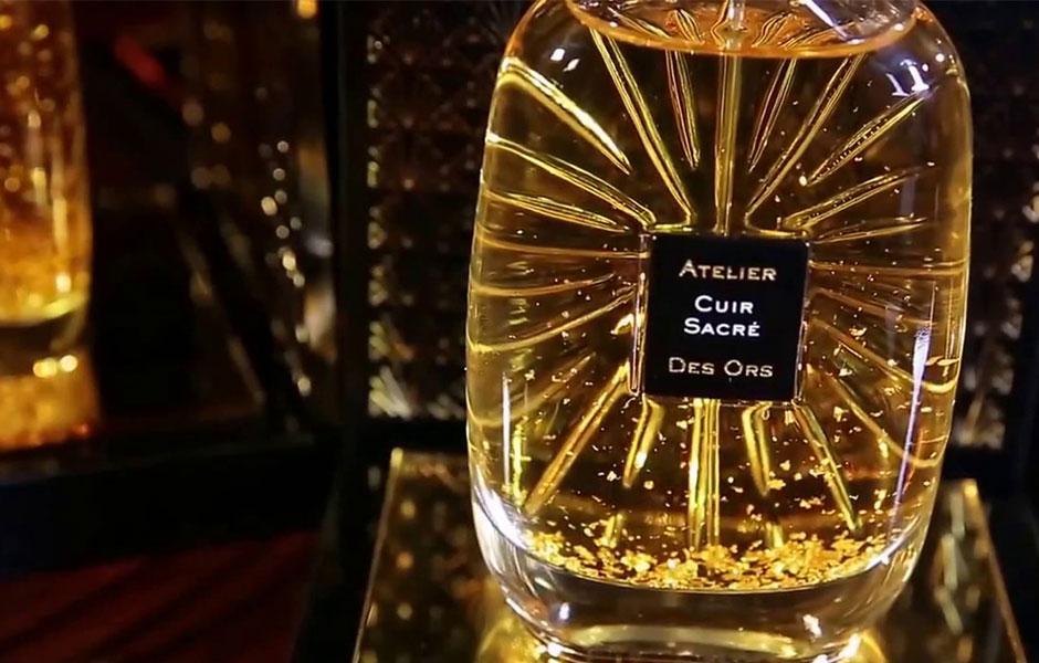 عطر ادکلن آتلیه دس اورس کوییق سکقه (Atelier Des Ors Cuir Sacre) با کیفیت بالای رایحه و با استفاده از بهترین مواد اولیه، به عنوان یک عطر گرم و تلخ شناخته می شود.