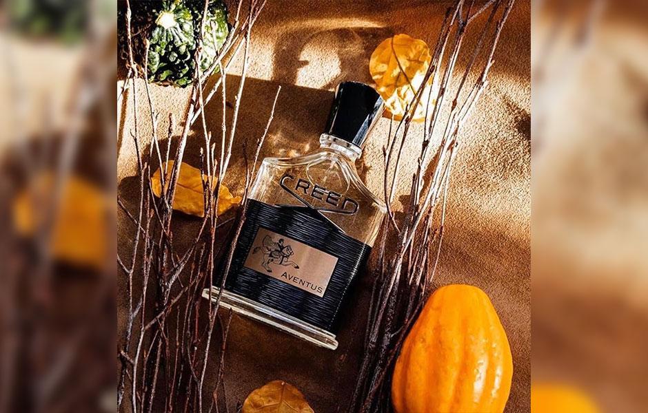 creed aventus for men (کرید اونتوس) یک عطر خنک و تلخ مناسب بهار و تابستان و با پخش بوی متوسط و ماندگاری طولانی است.
