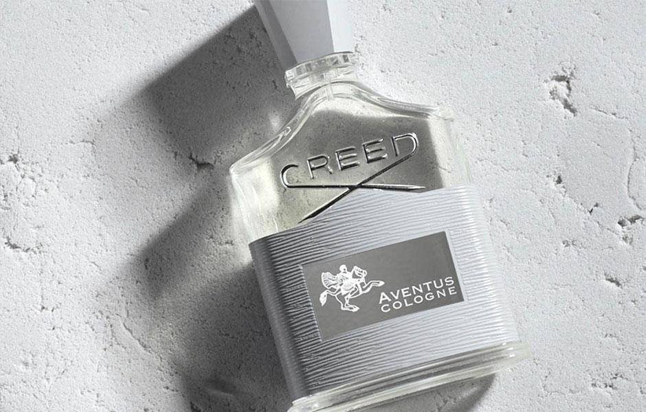 این عطر رایحه ای جذاب و طبیعی برای دوستداران عطر های سبک ارائه می دهد.