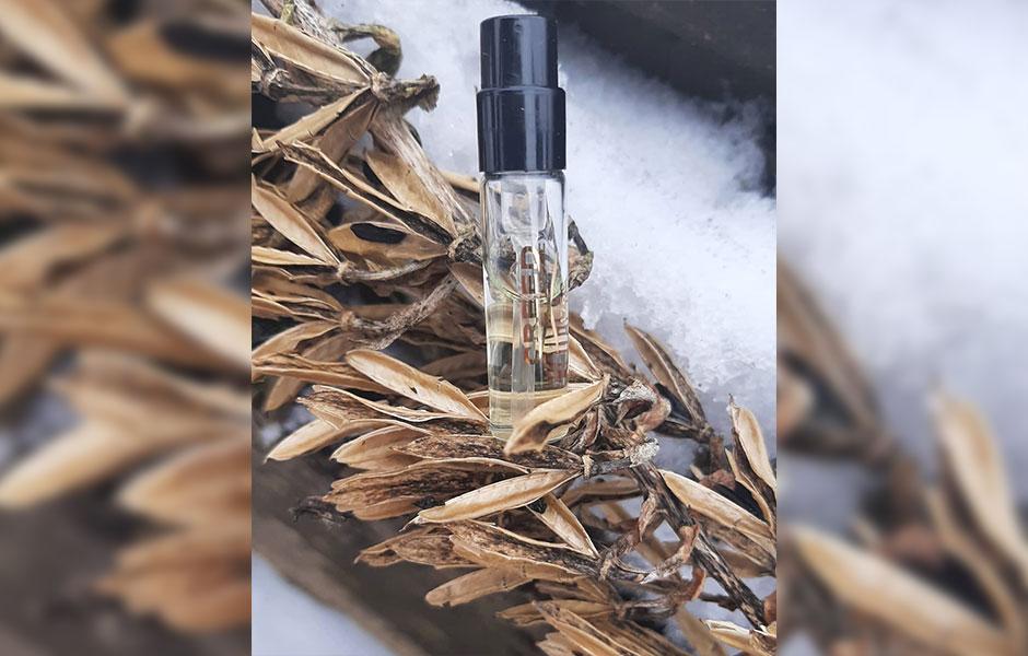 سمپل کرید رویال میفر (Creed Royal Mayfair Sample)، در گروه بویایی گلی میوه ای قرار گرفته است