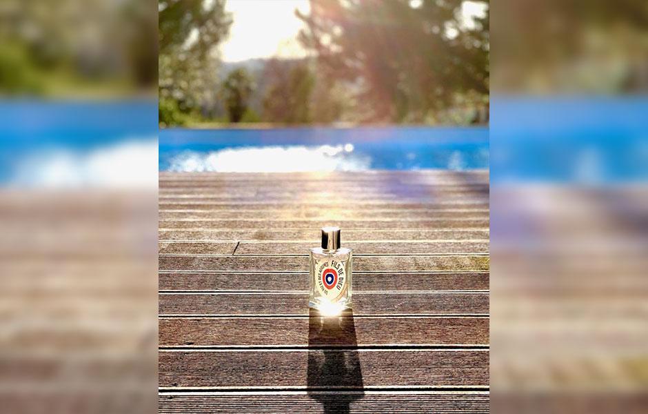 این تصویری از ات لیبق دوقانژ فیلز دی دو دوقیه است؛ عطری در گروه بویایی شرقی ادویه ای.