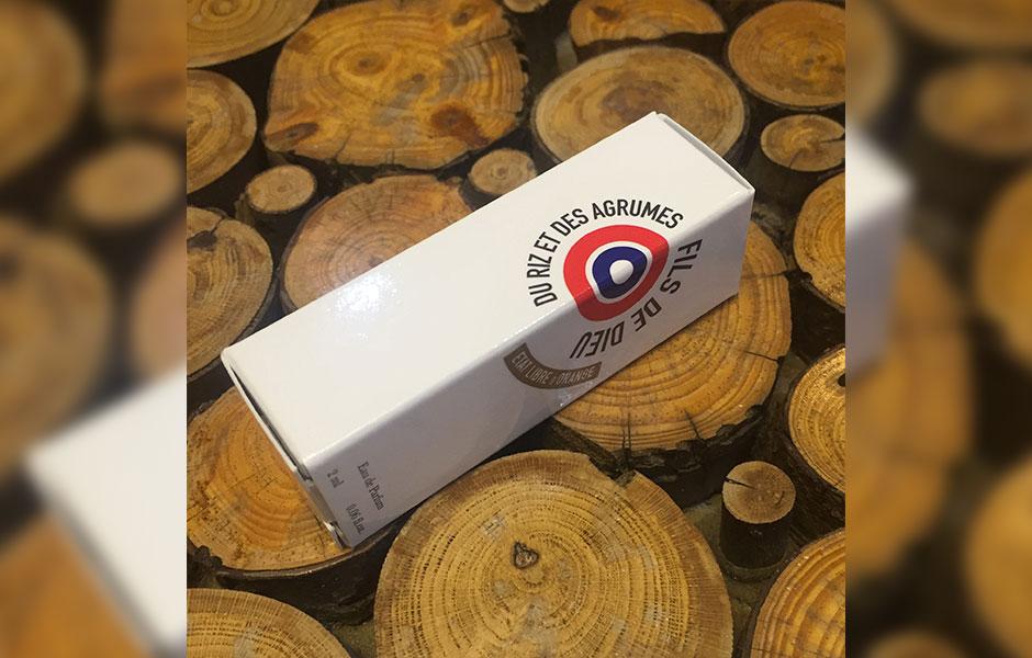 سمپل ات لیبق دوقانژ فیلز دی دو دوقیه دز آگقوم در سال ۲۰۱۲ روانه بازار عطر و ادکلن شد
