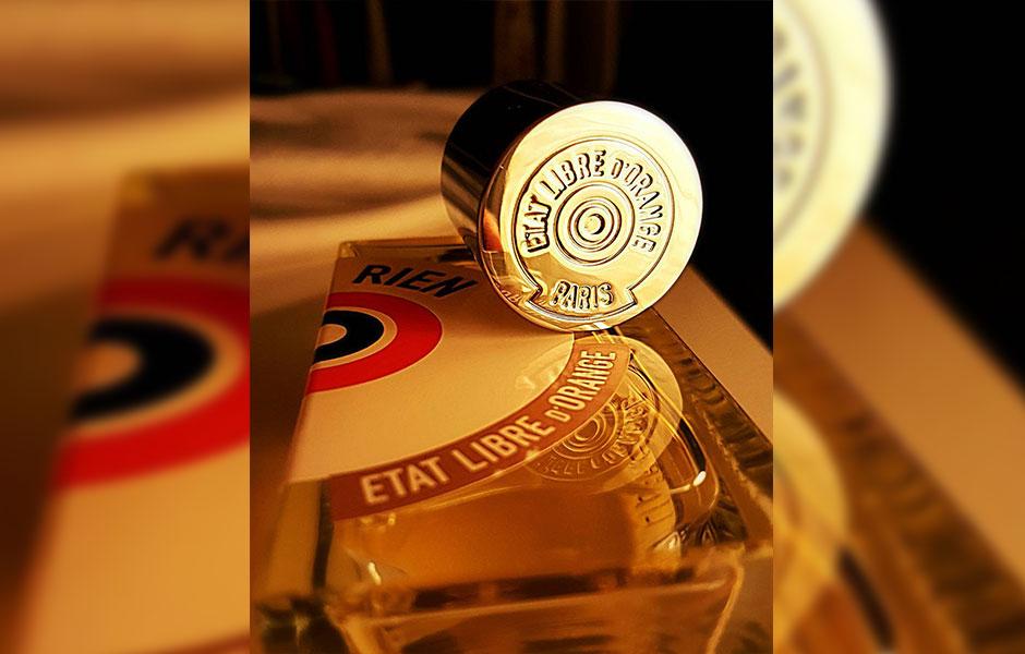 عطر ادکلن ات لیبق دوقانژ رین زنانه و مردانه (Etat Libre D'Orange Rien)، توسط کمپانی فرانسوی Etat Libre D'Orange و در سال ۲۰۰۶ تولید شد.