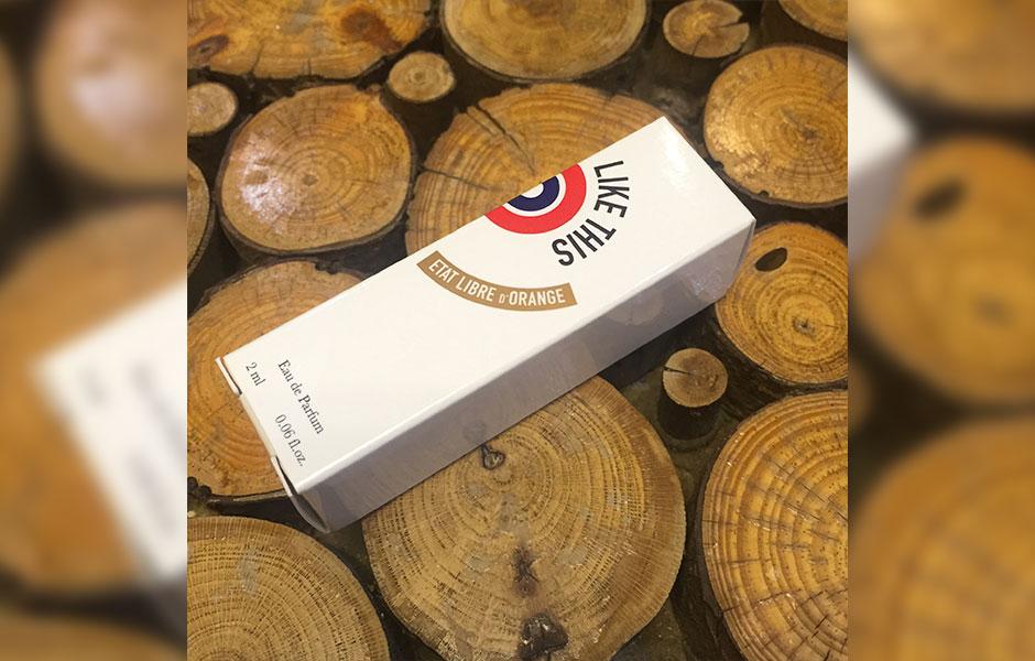سمپل لایک دیس اورجینال از ات لیبق دوقانژ نیز یکی از تولیدات این برند فرانسوی است که در سال ۲۰۱۰ روانه بازار عطر و ادکلن شد
