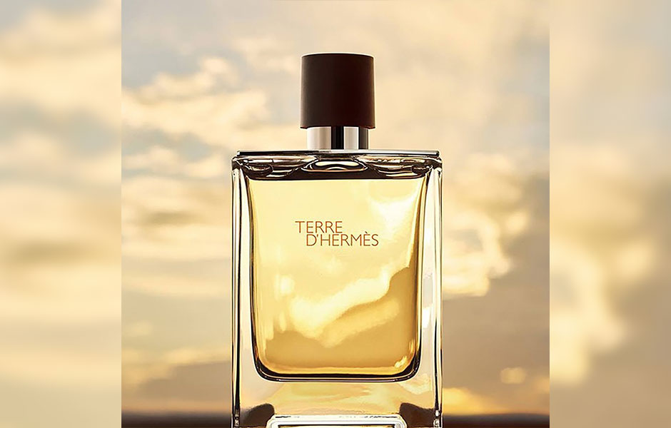 عطر ادکلن هرمس تق هرمس پرفیوم مردانه (Hermes Terre D'Hermes Parfum) یک عطر تلخ و معتدل است.