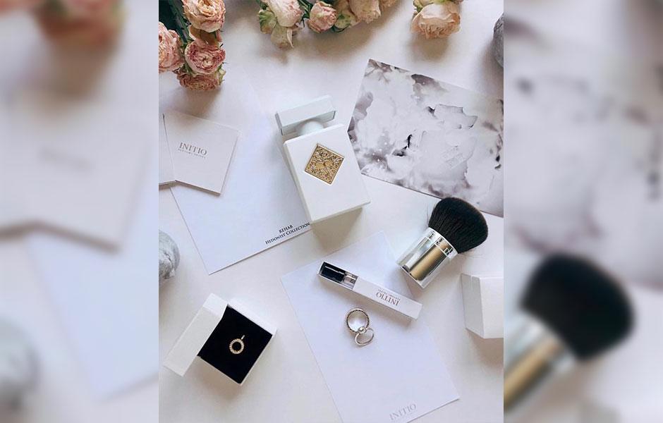 عطر ادکلن اینیشیو ریهاب زنانه و مردانه (Initio Parfums Prives Rehab)، از محبوب ترین عطرهای برند اینشیو پرفیوم پرایوز است که در سال ۲۰۱۸ به بازار عطر و ادکلن عرضه شد.