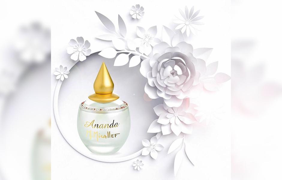 ام میکالف آناندا در گروه بویایی گلی قرار دارد