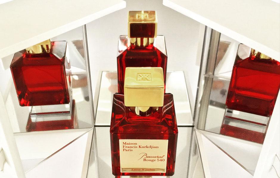 میسون فراسیس کرکجان باکارات رژ ۵۴۰ اکستریت د پرفیوم (Baccarat Rouge 540 EXP) یک عطر ادکلن گرم و شیرین است.