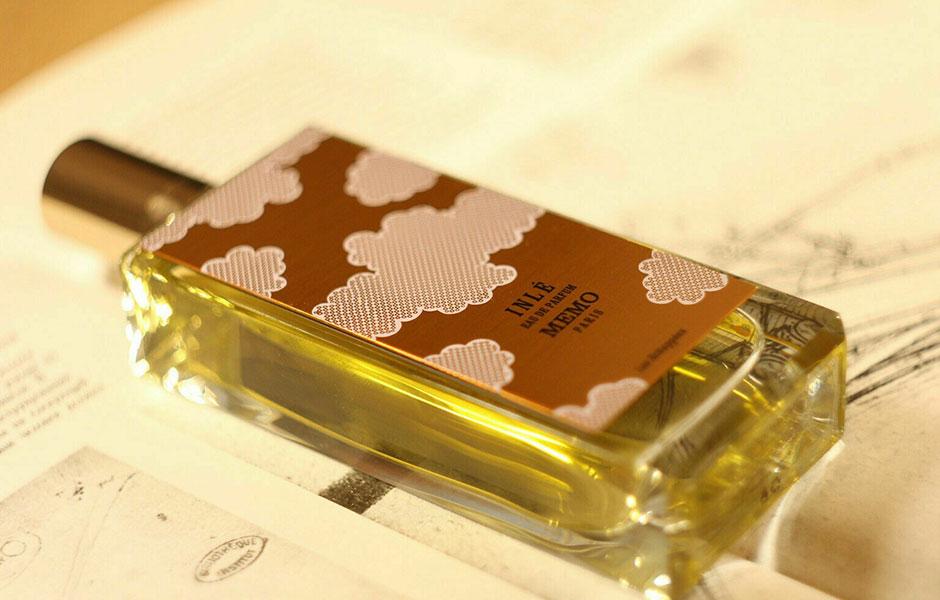 عطر ادکلن ممو اینله زنانه (Memo Inle)، در سال ۲۰۰۷ توسط کمپانی ممو پاریس تولید و به بازار عرضه شد.