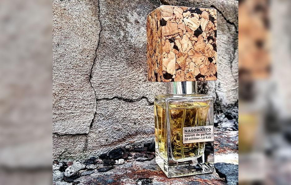 عطر ادکلن باروندا در گروه بویایی چوبی شرقی قرار دارد.