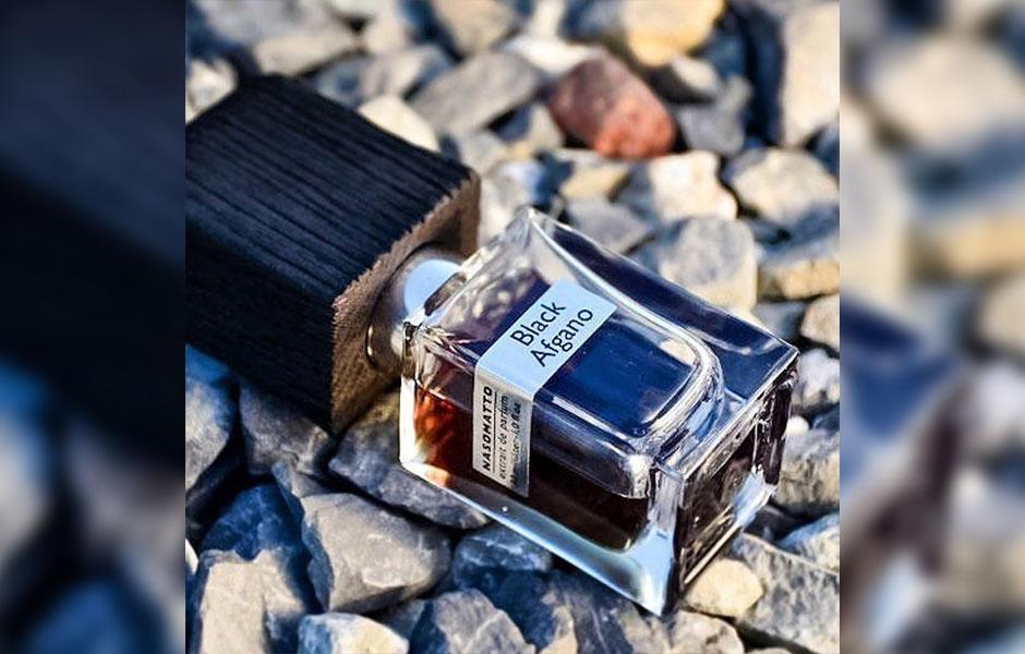 عطر بلک افغان در گروه بویایی چوبی معطر قرار گرفته است.