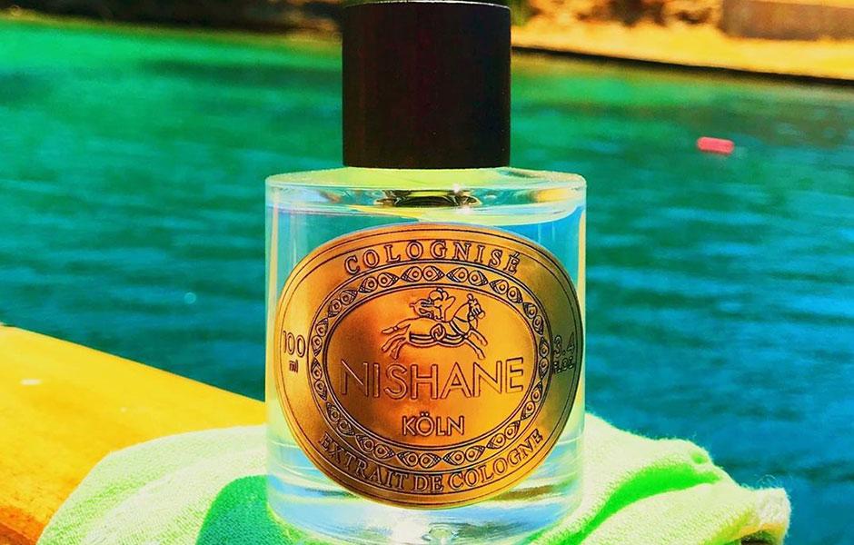 ویژگی که رایحه این عطر اورجینال دارد این است که رایحه بی نظیری دارد، رایحه تکراری نیست و مشابهی ندارد.