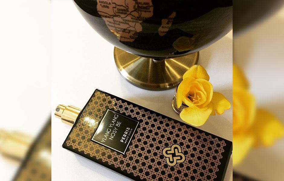 عطر یلانگ یلانگ نوزی بی یکی از عطرهای مجموعه سیاه (Black Collection) برند پریس مونت کارلو می باشد.