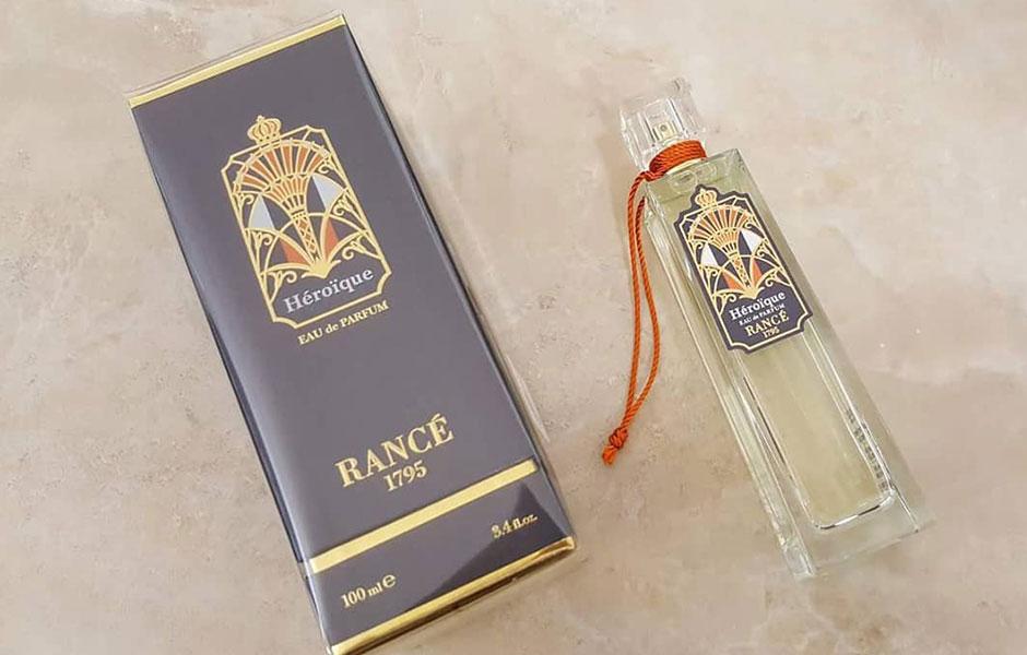 پیشنهاد می شود از رنس هرویکا به عنوان یک عطر خنک در فصل های گرم سال (بهار و تابستان) استفاده کنید.