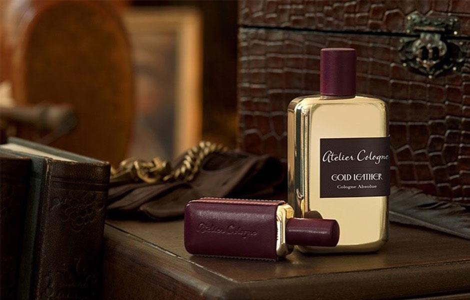 ست آتلیه کلون گلد لدر زنانه و مردانه (Atelier cologne Gold Leather set)، یکی از لوکس ترین ست های عطر و ادکلن از برند آتلیه کلون است.