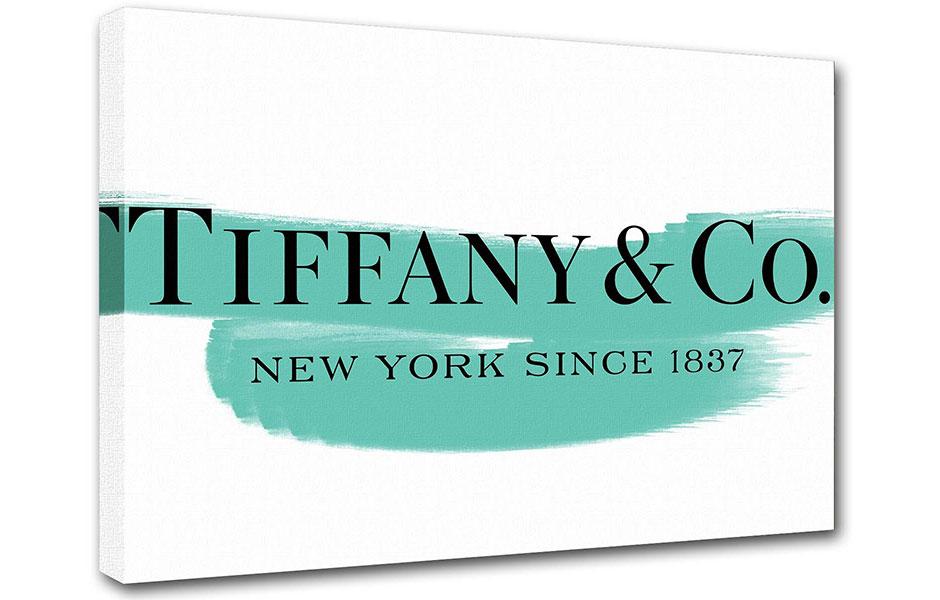 تیفانی تیفانی اند کو: تیفانی در اواخر دهه ۱۹۸۰ تصمیم گرفت تا پا در عرصه تولید عطر و ادکلن نیز بگذارد. او اولین عطر خود را در سال ۱۹۸۷ روانه بازار کرد که تیفانی زنانه بود و رایحه ای گلی داشت.