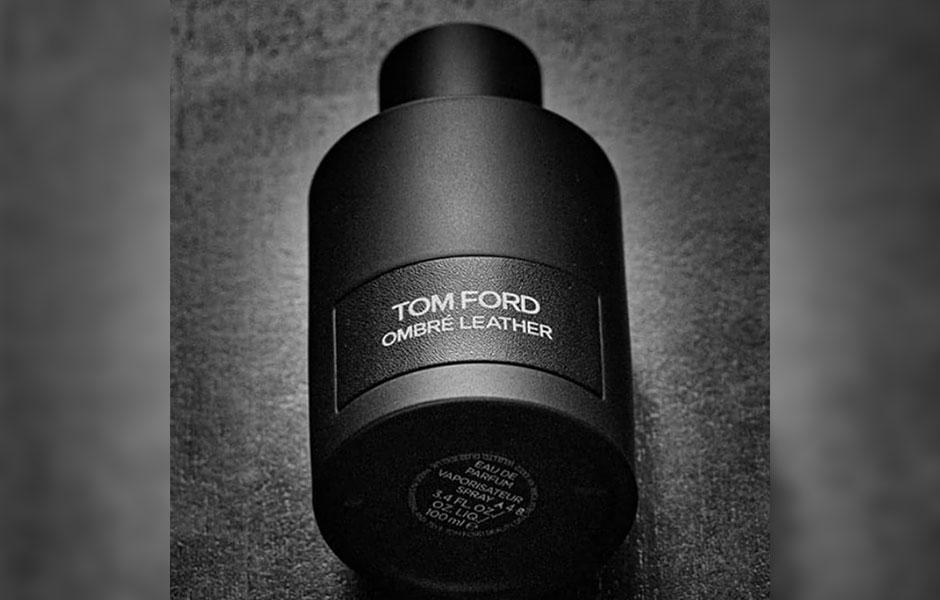 توسکان لدر چرم تند و تیز تری دارد و رایحه چرمی امبر لدر Tom ford Ombre leather با ظرافت در بین نت های آن تنیده شده است