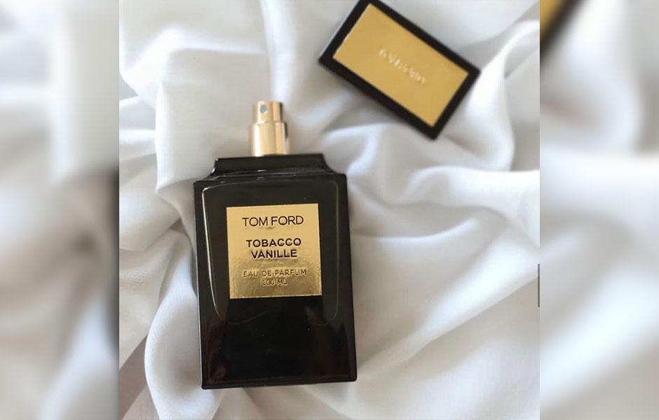 تام فورد توباکو وانیل در گروه بویایی شرقی ادویه ای قرار گرفته است