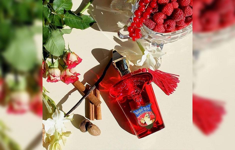 این عطر زنانه در گروه بویایی چوبی شرقی قرار گرفته است.